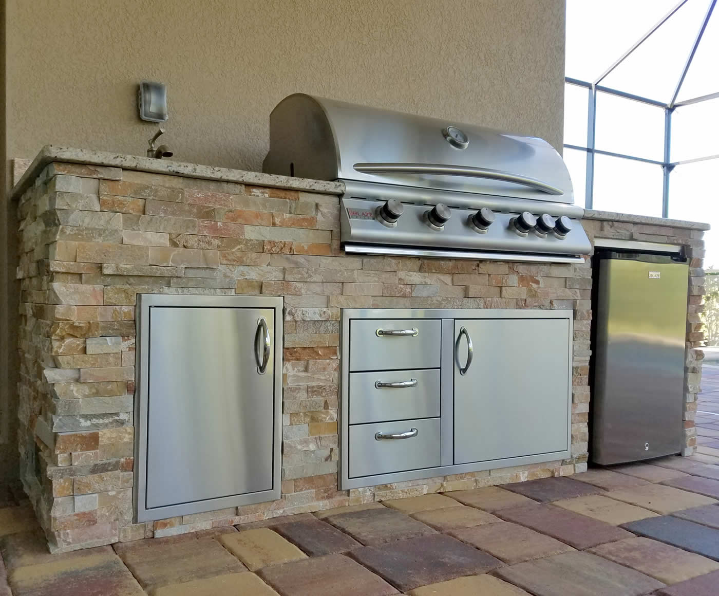 custom outdoor kitchen design services of fort myers florida