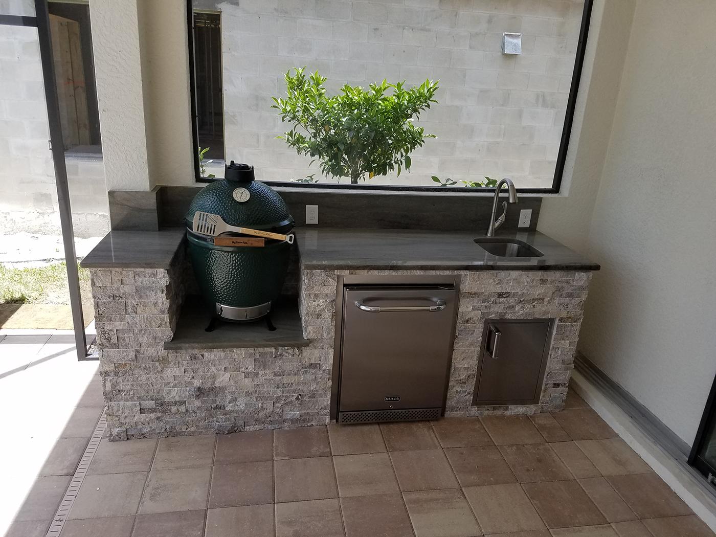 The big green egg outdoor kitchen elegant outdoor kitchens for Outdoor kitchen designs florida