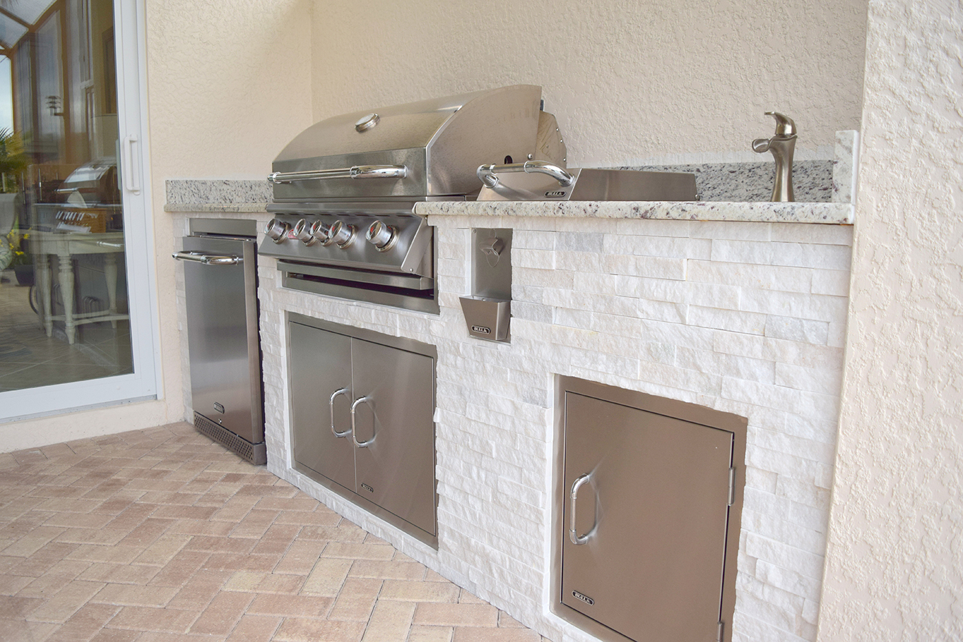 Custom Outdoor Kitchen Construction of Fort Myers Florida - Elegant ...