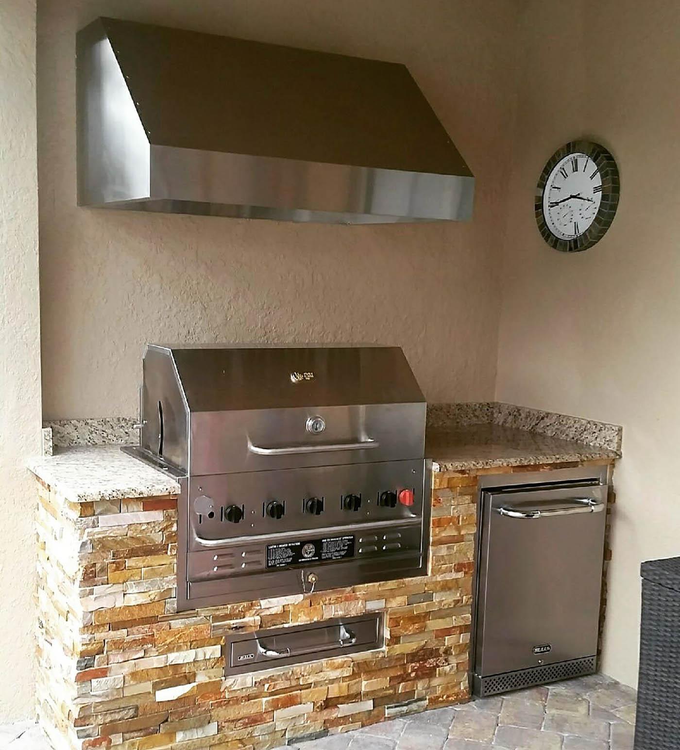 Outdoor Kitchen Florida: Elegant Outdoor Kitchens