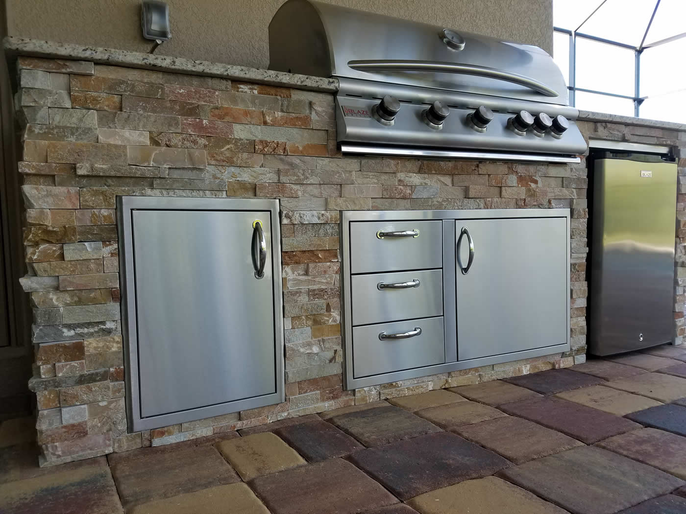 Golden sunset custom outdoor kitchen design elegant for Custom outdoor bbq kitchens