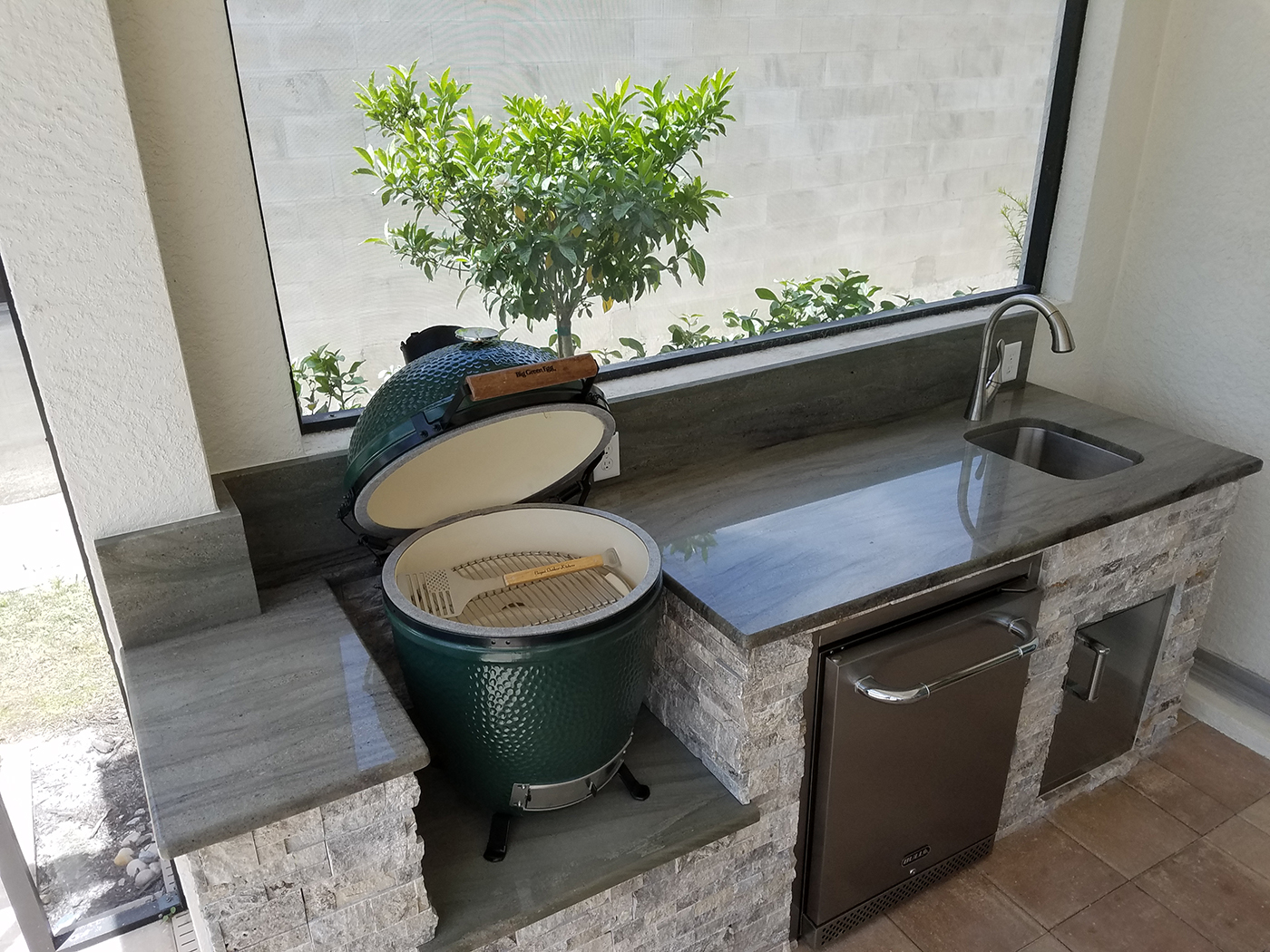 outdoor kitchen with green egg the big green egg outdoor kitchen outdoor kitchens 7246