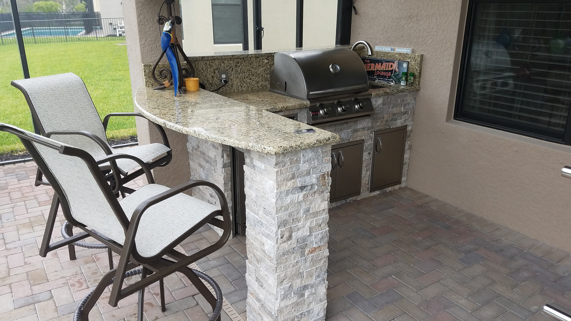 Unique Bar Top Custom Outdoor Kitchen Design - Elegant Outdoor Kitchens