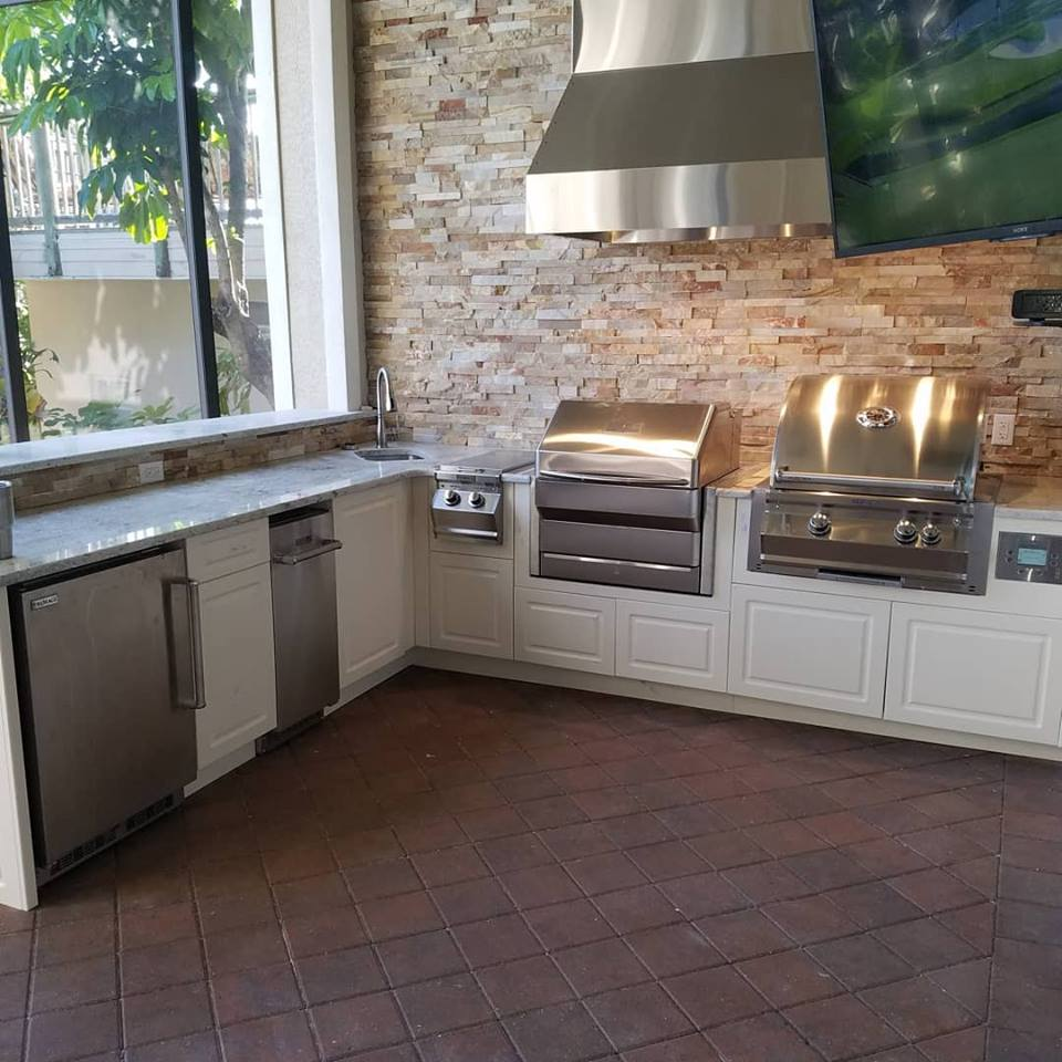 The magnificent custom outdoor kitchen project elegant for Magnificent kitchens
