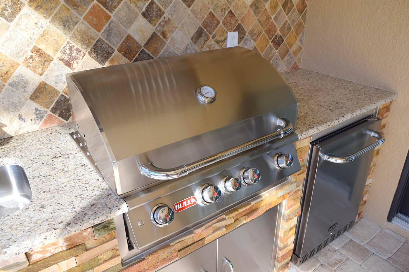 Custom Outdoor Kitchen by Elegant Outdoor Kitchens of Fort Myers, Florida